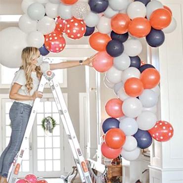 Holiday Balloon Garland Workshop
